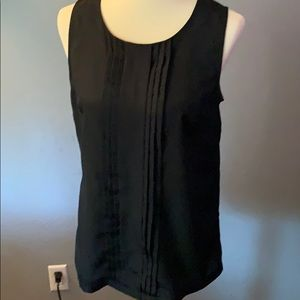 Black tank with pleat down front. | Size M |